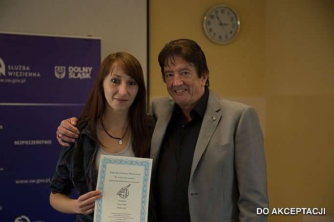 Anna Cader with certificate